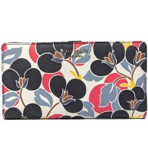 NWT Kate Spade Cameron Breezy Foral Large Wallet